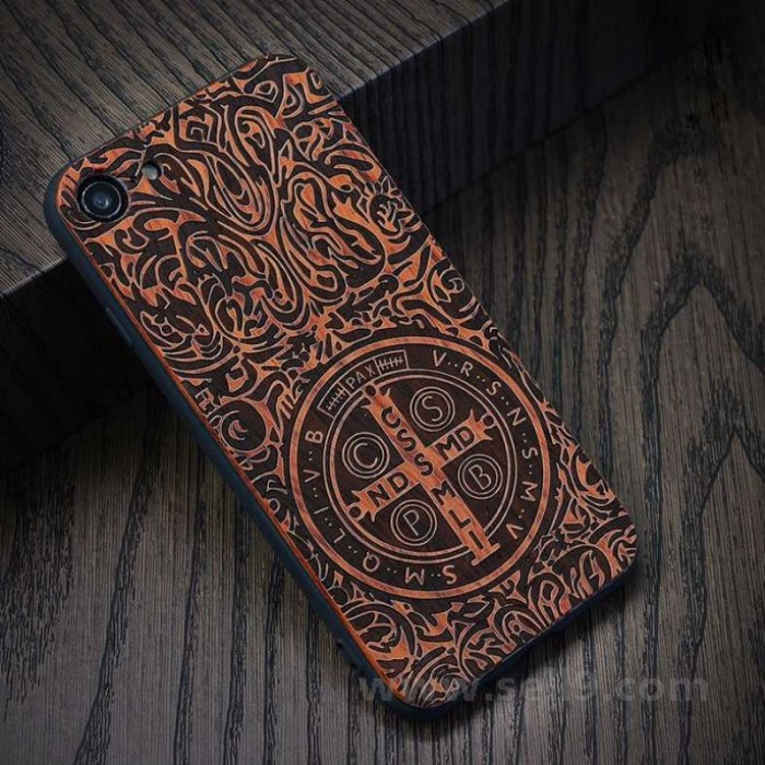 Genuine wood Constantine iPhone 7/8 case in store